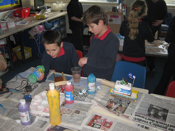 Decorating our carts - Addurno ein cerbydau