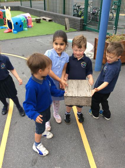 Darganfod siapiau 3D / Finding 3D shapes outside