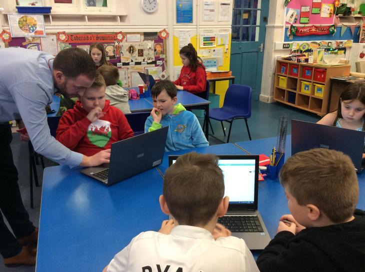 Excel gyda Mr Chris Rees.