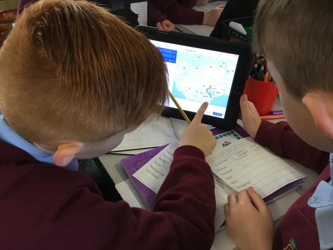 Defnyddio Google Maps i ddarganfod cestyll Cymru