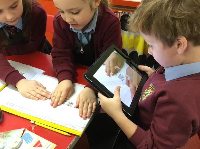 Scanning for clues to guess the shape