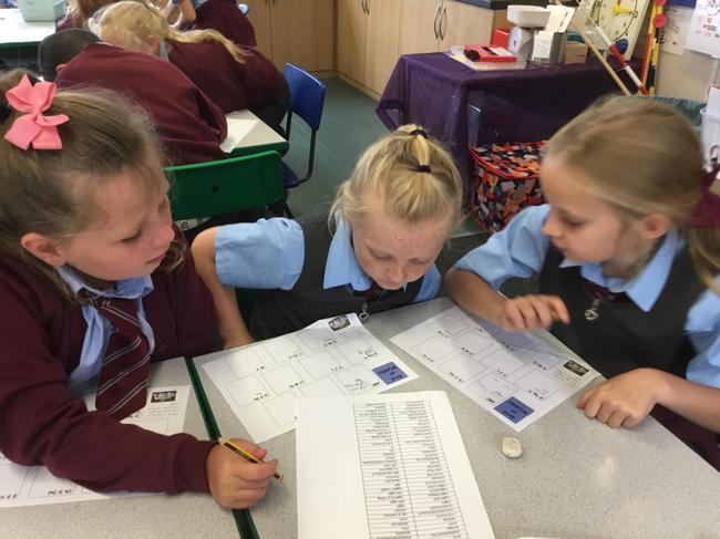 Dysgu geirfa newydd/ Learning new vocabulary