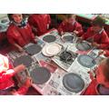 Creu gofodwyr/ Creating astronauts