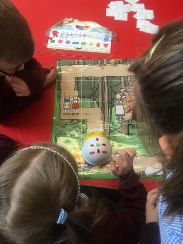 Practising turns and directions with a beebot