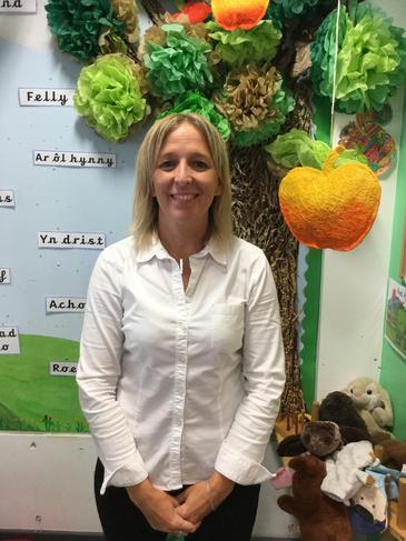 Mrs M Govier - Athrawes / Arweinydd Bl 1a2