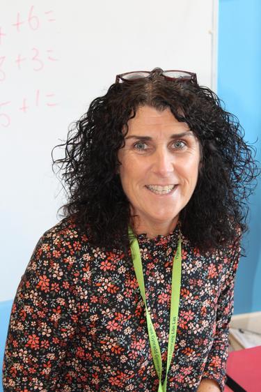Mrs K. Davies