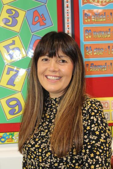 Ein Dirprwy Bennaeth/ Our Deputy Headteacher Mrs N. Davies