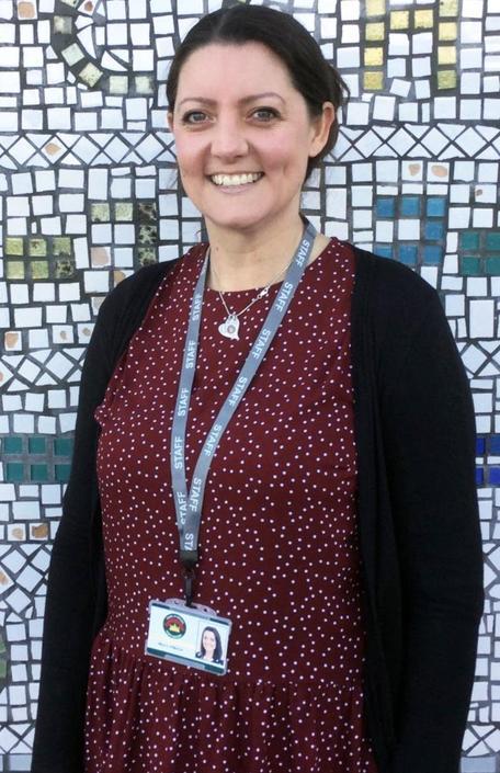 Miss Laura Williams - Athrawes Derbyn/Blwyddyn 1