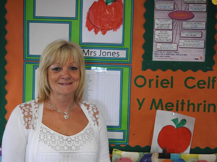 Mrs Kim Williams  - Meithrin