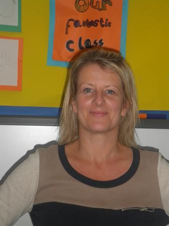 Mrs L Jones