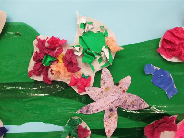 Flowers using tissue paper and glue