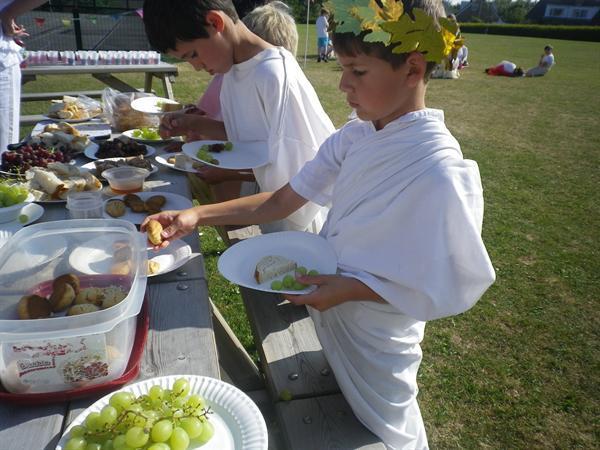 Roman Day- enjoying our banquet