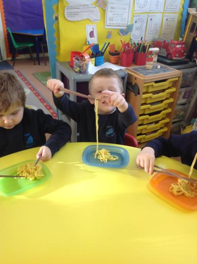 we tasted some yummy noodles and prawn crackers...