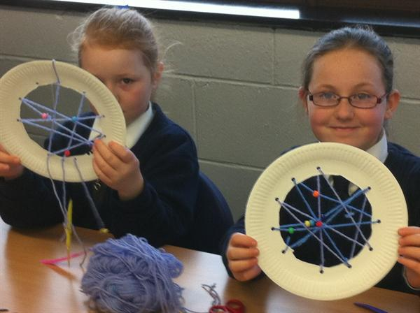Making our own Dream Catchers