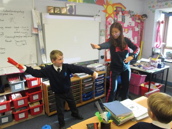 Learning Kung Fu in our Mandarin Lessons!