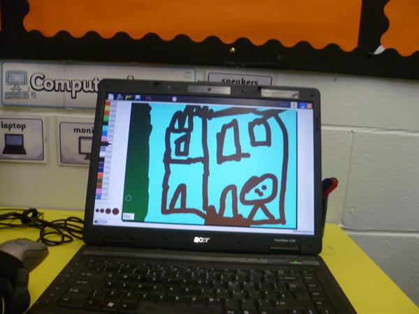 ICT: drawing castles.