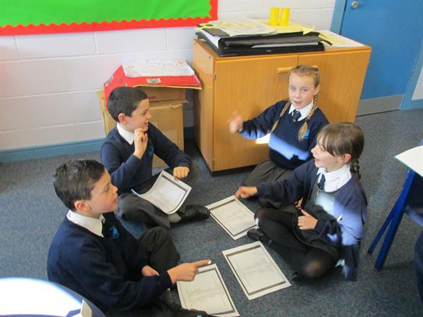Grwp darllen / Reading group