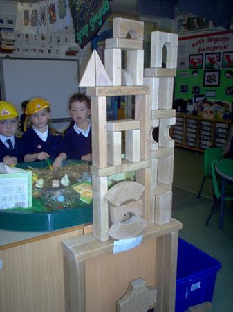 We made a Shrine using wooden blocks