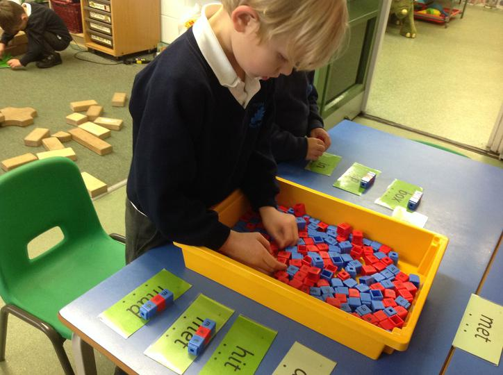 Starting to blend 3 letter words independently
