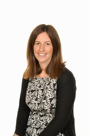 Nia Lewis - Athrawes / Teacher
