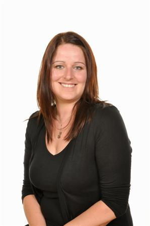 Nicola Thomas - Athrawes / Teacher