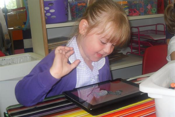 Dysgu gyda'r Ipad/Learning with the Ipad