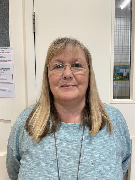 Julia Bowen - Cynorthwyydd Dosbarth Uwch / HLTA