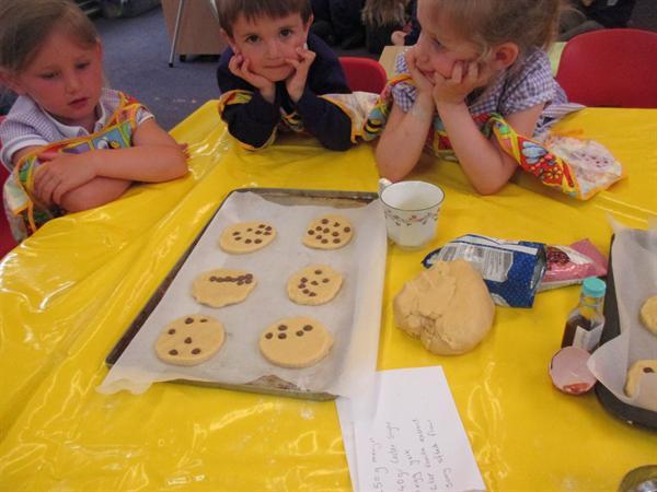 Tasty number biscuits / Bisgedi rhif blasus