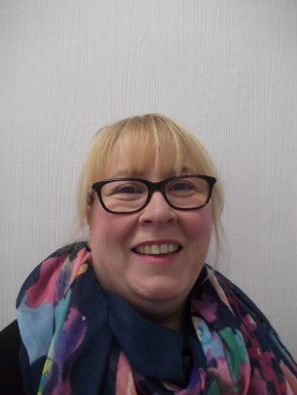 Eleri Morrison - Athrawes / Teacher