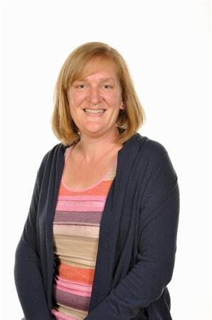 Cath Jones - Uwch Gynorthwyydd Dosbarth / HLTA