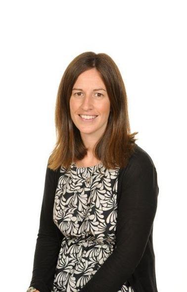 Nia Lewis-Jones - Athrawes / Teacher