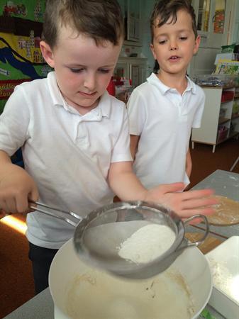 Gwneud bara / making bread