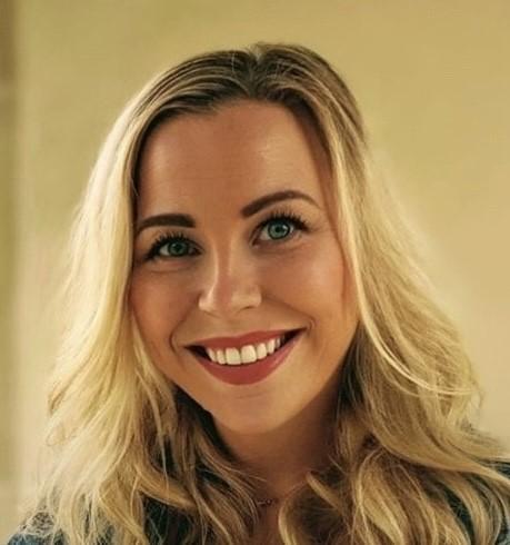 Laura Griffiths - Athrawes / Teacher
