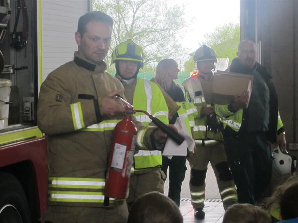 Trip i'r Orsaf Dan / Our trip to the Fire Station