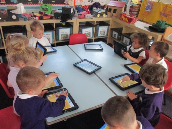 Dysgu gyda'r IPAD/ Learning with the IPad!