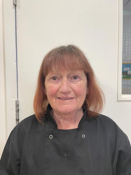 Christine Jones - Cogyddes / Cook