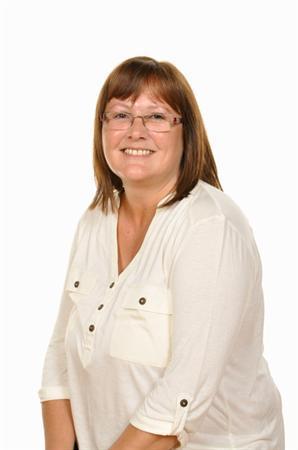 Julia Bowen - Uwch Gynorthwyydd Dosbarth / HLTA