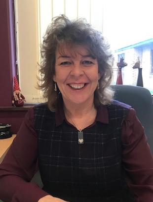 Gwenda Easton: Pennaeth / Headteacher