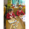 Working together on jigsaws