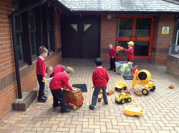 Outdoors-busy builders!