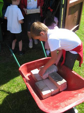 Creating our minibeast hotel