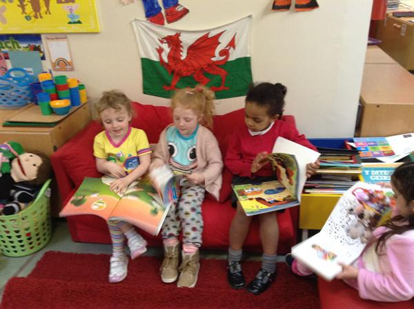 Talking about our favourite books.