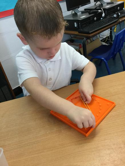 We can use geoboards to make different shapes.