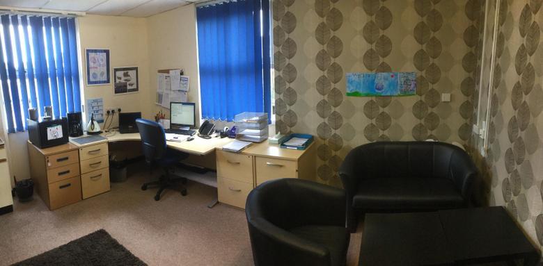 Headteacher's Office/ Swyddfa'r Pennaeth