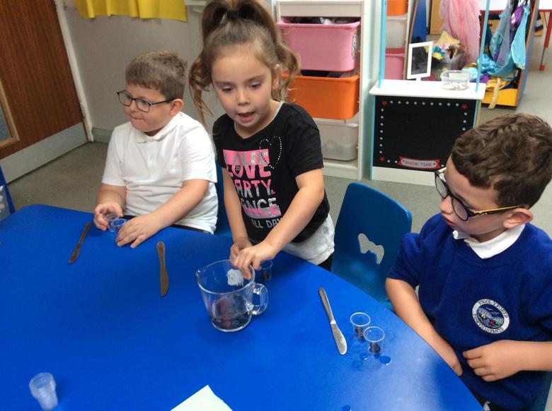 Making jelly pots