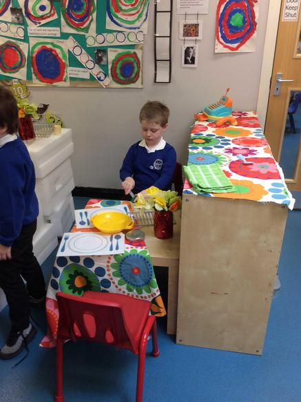 Role play in the home corner!