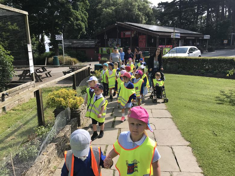 We set off on our walk around the zoo