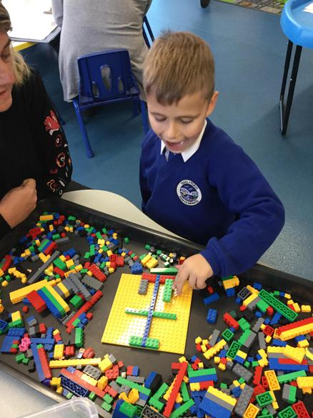 Symmetrical patterns in the Lego