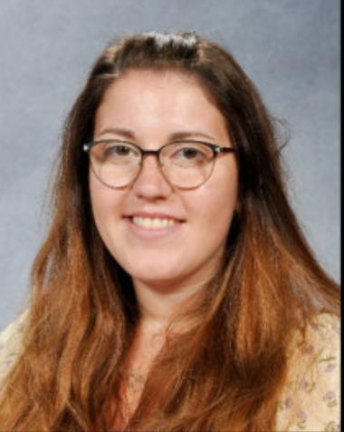 Miss Izzy Lyons - Cynorthwy-ydd Dysgu/Teaching Assistant