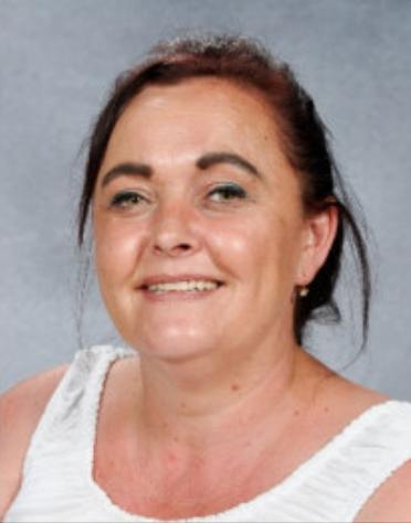 Miss Kelly Gifford - Goruwchwylydd Canol Dydd/Mid-day Supervisor